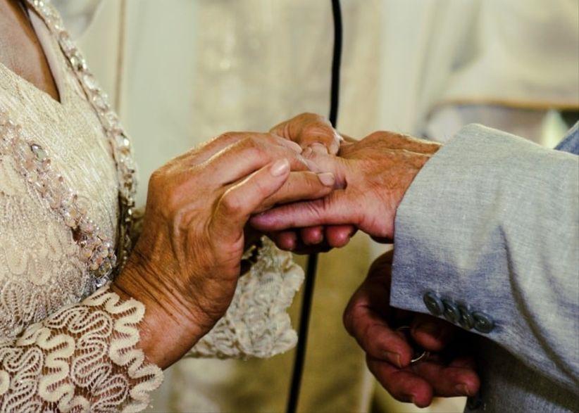 felices bodas de oro esposos
