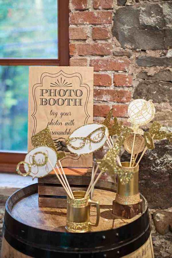 photocall elegante para boda de oro